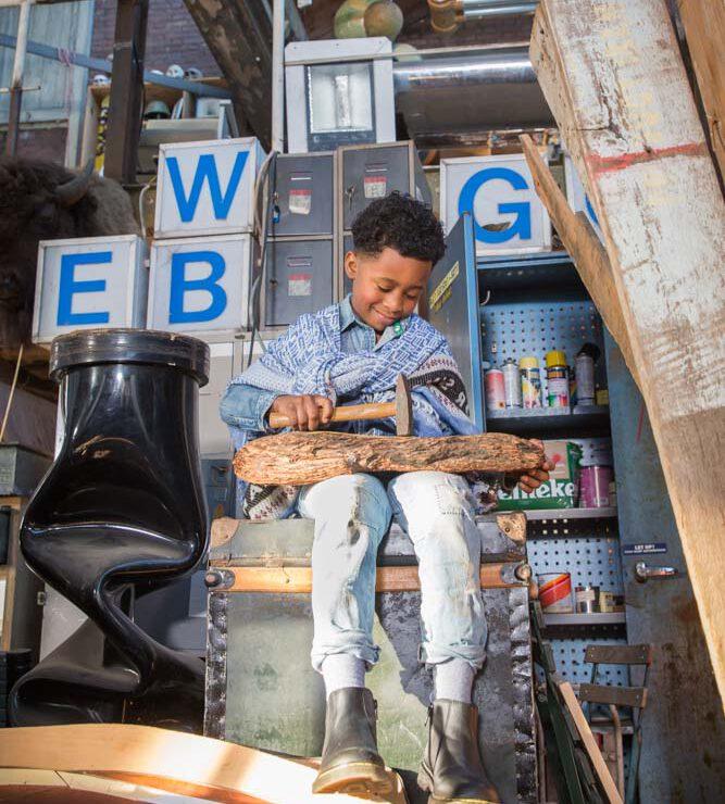 Kek MaMa Jeans kinerfotoshoot in atelier in hilversum